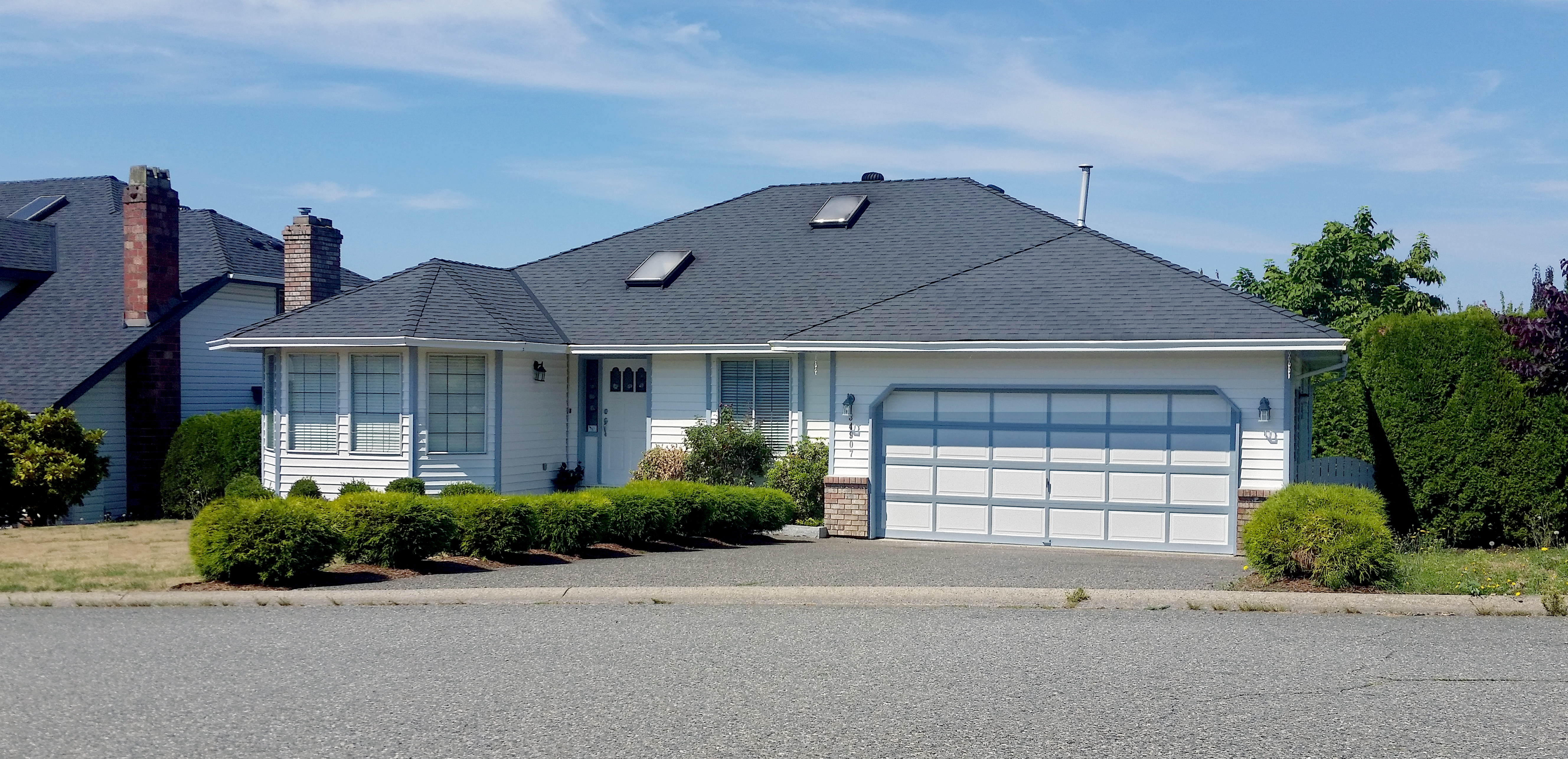 Shingle Roof on Oakhill Drive in Abbotsford